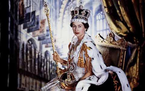 Lên ngôi từ 26 tuổi, Elizabeth đã trải qua 64 năm ở ngôi vị nữ hoàng của Anh quốc. Ảnh: Telegraph.