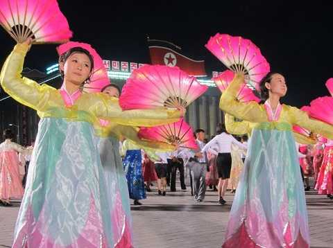 Những màn ca múa nhạc ấn tượng trong lễ bế mạc