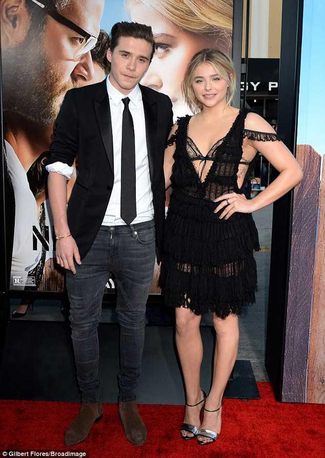 Chloe Moretz tình tứ bên cạnh Brooklyn Beckham