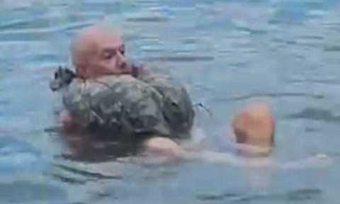 Ông Luigi thuật lại cách mà mình dùng để sinh tồn 3 ngày trong bụng cá