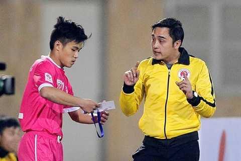 Chỉ một số ít cầu thủ Hà Nội tỏ ra lo lắng khi đội bóng chuyển vào nam