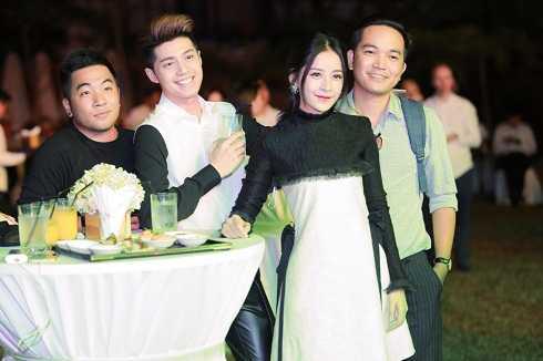 Chi Pu xinh đẹp bên nam ca sĩ Noo Phước Thịnh.