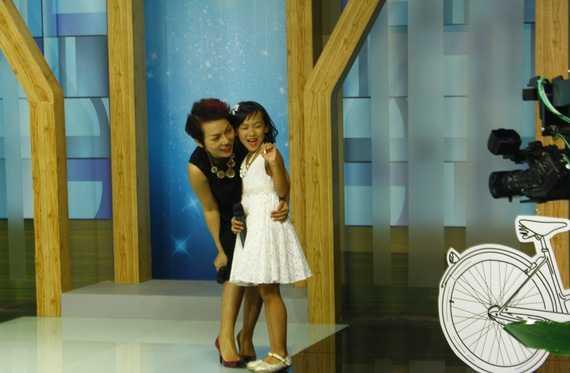 """Thái Thùy Linh: """"Thái An từng đi theo mẹ đến   nhiều hoạt động thiện nguyện, đặc biệt biểu diễn nhiều ở chương trình   Mang âm nhạc bệnh viện""""."""