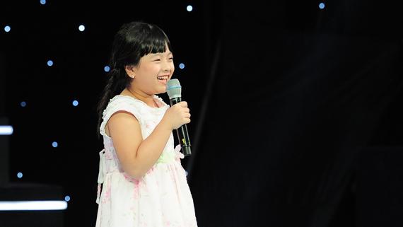 Hồng   Khanh từng khuấy động chương trình The Voice Kids mùa 1 với vẻ xinh xắn,   đáng yêu và giọng ca trong trẻo của mình. Hiện nay, Hồng Khanh vẫn   thường tham gia vào các sự kiện âm nhạc.