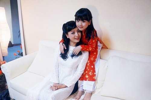 Lúc sinh ra Hồng Khanh, Chiều Xuân đã khá lớn tuổi, nên khi có cô con gái nhỏ sinh ra thì nữ diễn viên thấy mình trẻ lại.