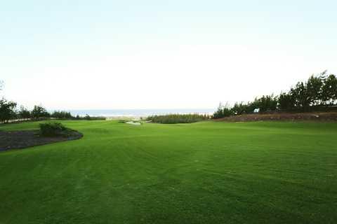 Sân golf FLC Quy Nhơn Golf Links (thuộc Quần thể FLC Quy Nhơn) lập kỷ lục thế giới về thi công nhanh (5 tháng)