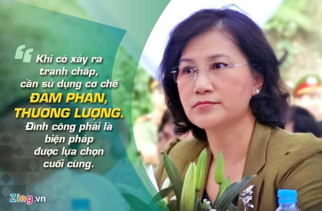 Lần đầu tiên đăng đàn trả lời chất vấn trước Quốc hội ngày 31/5/2008, bà Nguyễn Thị Kim Ngân khi đó là Bộ trưởng Bộ Lao động - Thương binh & Xã hội đụng ngay vấn đề nóng: đình công.