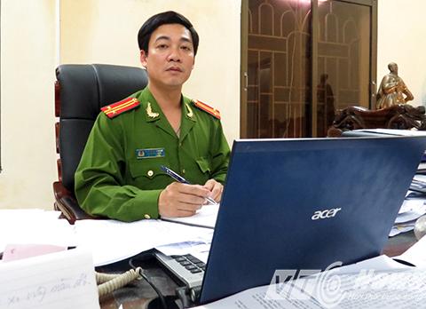 Trung tá Cao Giang Nam - Phó trưởng Công an TP Thái Bình kể lại vụ việc giải cứu nữ sinh Trường Cao đẳng Y Thái Bình ngày 4/4 vừa qua - Ảnh MK