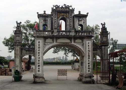 Cồng cụm đền chùa nơi tưởng niệm Hoàng Thái hậu Ỷ Lan. Ảnh: Panoramio