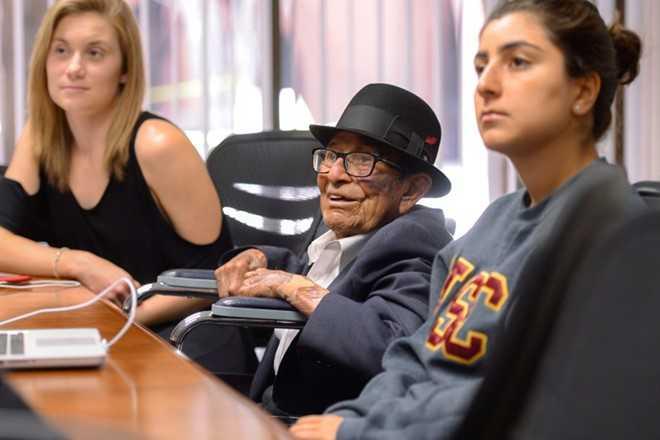 Câu chuyện cụ Gonzales là nguồn cảm hứng đối với nhiều người. Ảnh: USC.