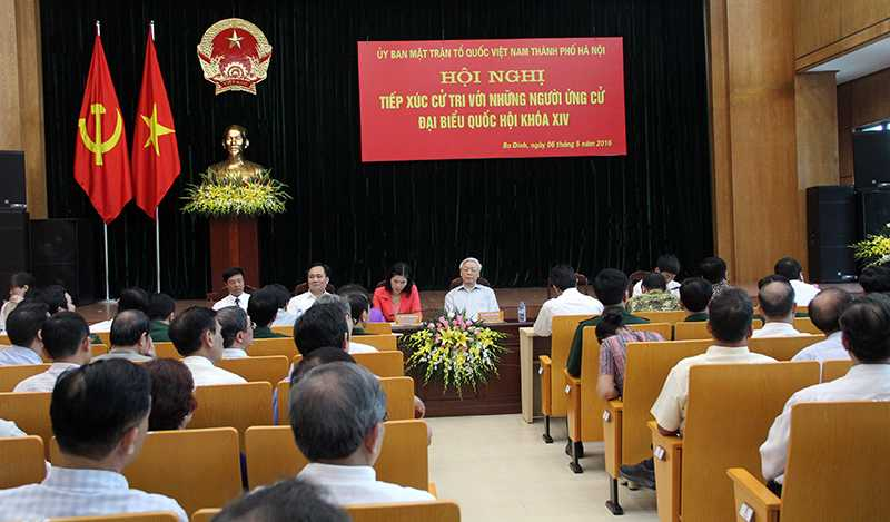 Hội nghị tiếp xúc cử tri của các ứng viên đại biểu Quốc hội tại đơn vị bầu cử số 1, TP Hà Nội (Ảnh: Phạm Thịnh)