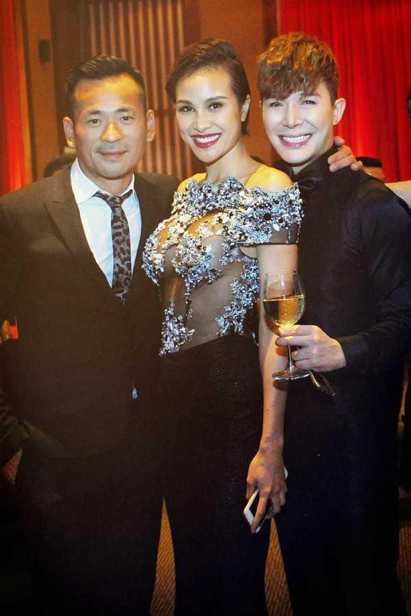 Trang phục của người mẫu Phương Mai bị cho là phản cảm. Ảnh: Cuong Tong