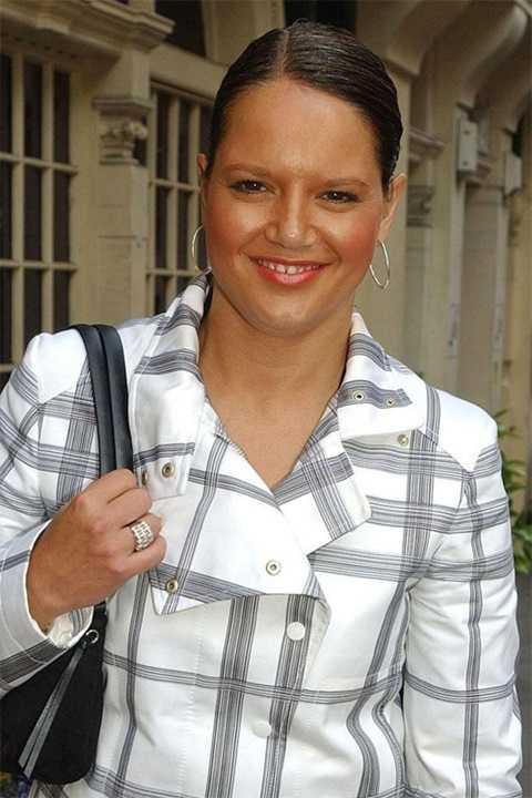 Karen nhận được hàng triệu USD từ vụ ly hôn cựu tiền vệ Arsenal