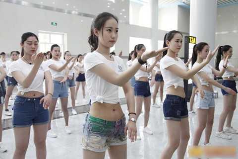 Võ thuật cũng là cách để các học viên rèn luyện thể lực.