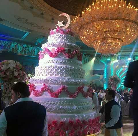 Bánh cưới cao ngất nhiều tầng