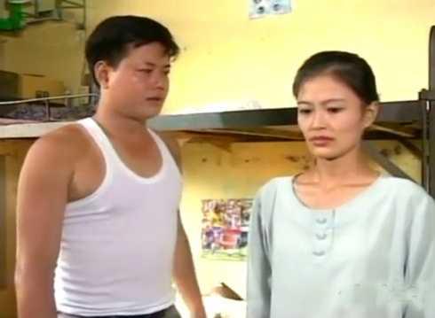 Diễn viên Xuân Tùng vào vai Trư - người yêu của Thắm. Với tính cách vụng về, thật thà, Trư thường xuyên bị bạn bè của người yêu trêu trọc.