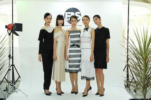 Dàn mỹ nhân VNTM thanh lịch trong những thiết kế của Lâm Gia Khang đến dự buổi ra mắt không gian nghệ thuật - thời trang FAS.