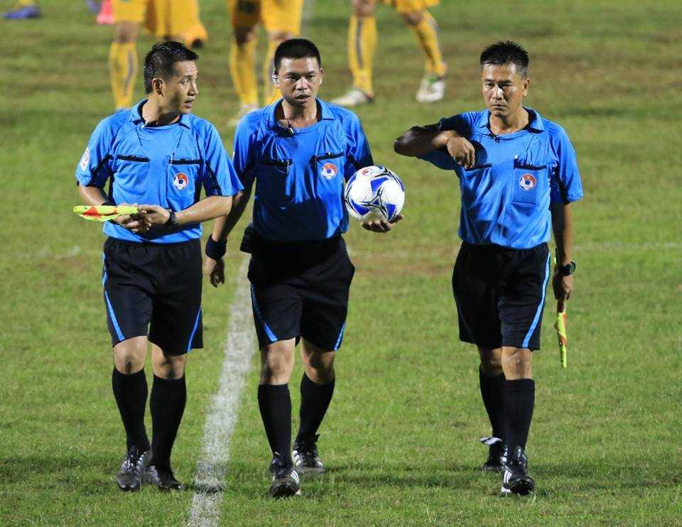 Tổ trọng tài trận FLC Thanh Hóa vs SLNA