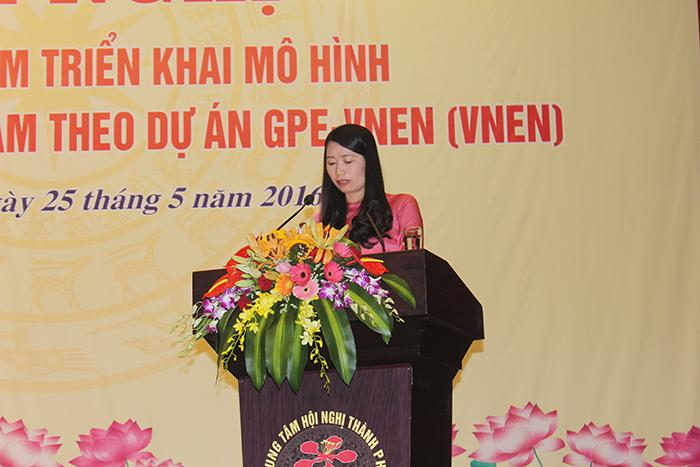 Bà Vũ Thị Phương Vinh (PGĐ Sở Giáo dục và Đào tạo Hải Phòng) phát biểu tại buổi hội thảo.