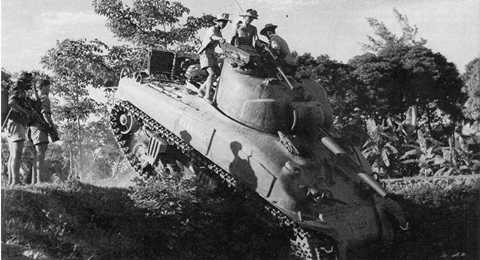 Tuy nhiên, ở chiến trường Việt Nam khi mà QĐND Việt Nam thời kỳ bấy giờ thiếu thốn vũ khí chống tăng thì việc chống lại các cỗ tăng Sherman là điều không hề đơn giản. Nhưng thực tế lịch sử đã chứng minh QĐND Việt Nam đã giành thắng lợi hoàn toàn trước thực dân Pháp, đỉnh cao là trận Điện Biên Phủ lẫy lừng năm châu. Những cỗ xe tăng hiện đại đã không thể giúp gì cho quân Pháp tránh khỏi những thất bại nhục nhã