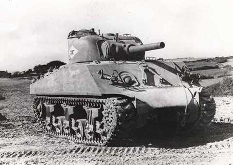 M4 Sherman được biết tới là một cỗ xe tăng có độ tin cậy cao, tốc độ nhanh, hỏa lực mạnh, giáp trung bình.