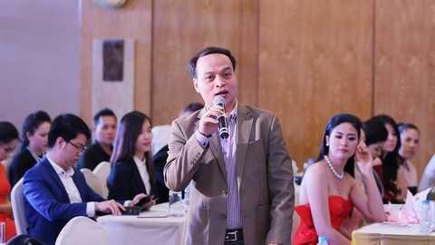 Ông Lê Minh Tuấn - Trưởng phòng Quản lý biểu diễn – Cục Nghệ thuật biểu diễn phát biểu tại Họp báo.