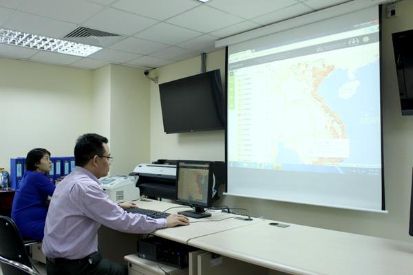 Ứng dụng thiết bị giám sát hành trình trên nền bản đồ số sẽ vẽ lại lộ trình, vị trí dừng đỗ, vận tốc xe chạy, thông tin về tốc độ trên nền bản đồ số.