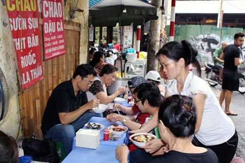 Hà Nội sẽ thành lập các đoàn thanh kiểm tra thức ăn đường phố, các chợ trên địa bàn. Ảnh minh họa