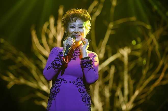 Ca sĩ Kim Anh muốn được về Việt Nam nhiều hơn.