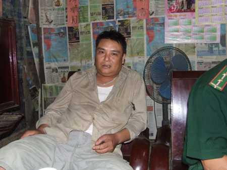 Ông Nguyễn Sinh Nam đang kể lại hành trình 10 ngày đêm giải cứu con gái.
