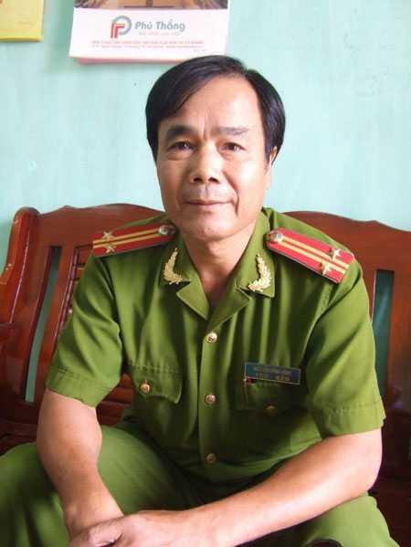 Ông Nguyễn Văn Bình, Trường CA xã Bạch Đích.