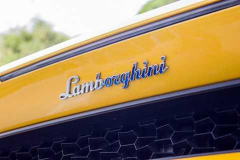 Tới thời điểm hiện tại, đã có tổng   cộng 9 chiếc Lamborghini Huracan được nhập về tới Việt Nam, trong đó chỉ   có đúng 3 chiếc là