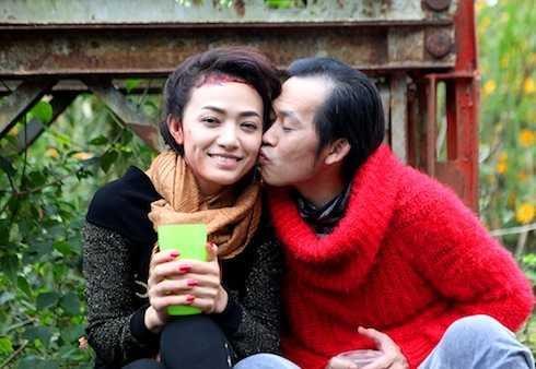 Hoài Linh và Tinna Tình có nhiều cảnh tình tứ trong
