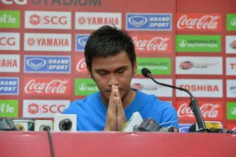 Atit Daosawang thừa nhận hành vi của mình trước giới truyền thông
