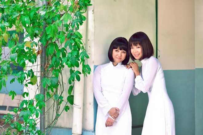 Khán giả từng yêu mến hai nữ ca sĩ vào   thập niên 1990 gặp lại thần tượng một thời, với hình   ảnh không mấy khác xưa.