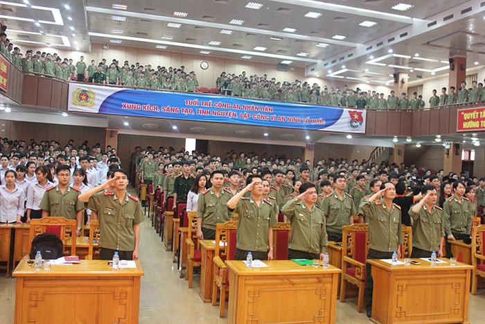 Lễ tổng kết có sự góp mặt của các lãnh đạo, cán bộ, giảng viên và 500 học viên tiêu biểu Học viện An ninh Nhân dân.