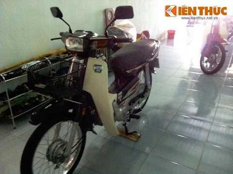 Vào khoảng những năm 1992-1993, những   chiếc xe Honda Dream Thái đầu tiên được nhập về Việt Nam dưới dạng