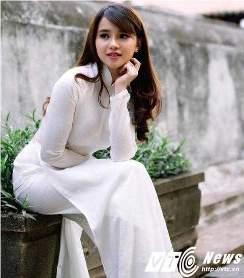 Hiện Trâm Trinh đang sống tại Thành phố Hồ Chí Minh và dự định năm sau sẽ thi vào ngành Quản trị kinh doanh. (Ảnh: Hoàng Lê Nhân).
