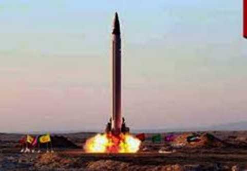 Iran tuyên bố thử thành công tên lửa đạn đạo tầm trung.