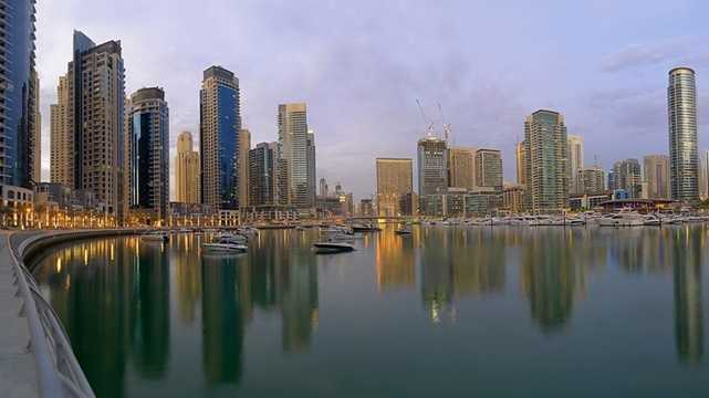 Khu vực bến du thuyền Dubai Marina hiện có tới 120.000 người dân đang sinh sống và làm việc. Các hoạt động tại bến du thuyền này luôn trong trạng thái náo nhiệt và sôi động.
