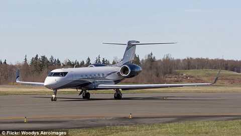 Bà Jobs cũng có 2 máy bay riêng và 1 du thuyền sang trọng. Một chiếc máy bay là 1999 Gulfstream G-V, giá 30 triệu USD.