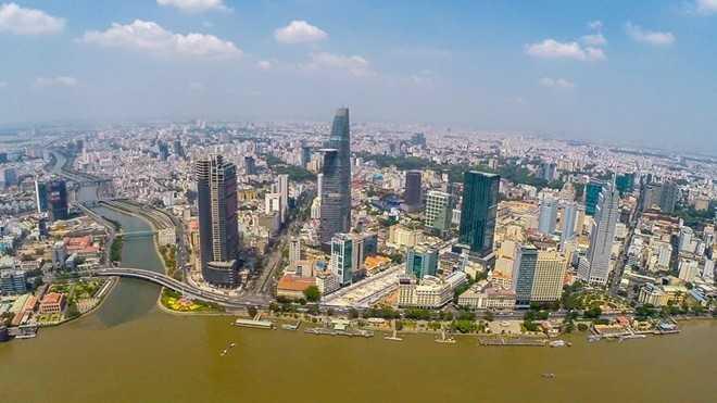 Theo CIA, chính phủ Việt Nam đang giao động giữa việc thúc đẩy tăng trưởng và chú trọng ổn định bền vững nền kinh tế vĩ mô trong những năm gần đây.