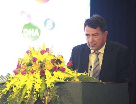 Ông Bill MacDonald - Giám đốc điều hành CDI phát biểu tại buổi lễ