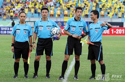 V-League sẽ tiếp tục sử dụng trọng tài ngoại (Ảnh: Quang Minh)