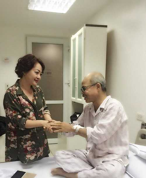 Có diễn biến xấu về sức khỏe nhưng nghệ sĩ Hán Văn Tình vẫn rất lạc quan. Ảnh: Nghệ sĩ Trà My.