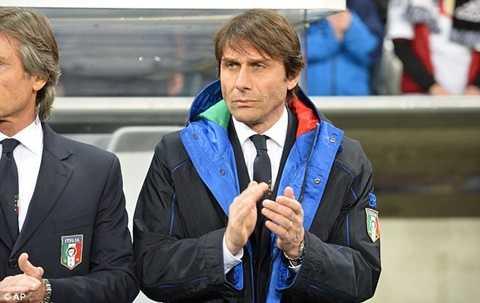 Conte vừa chính thức trở thành HLV trưởng Chelsea