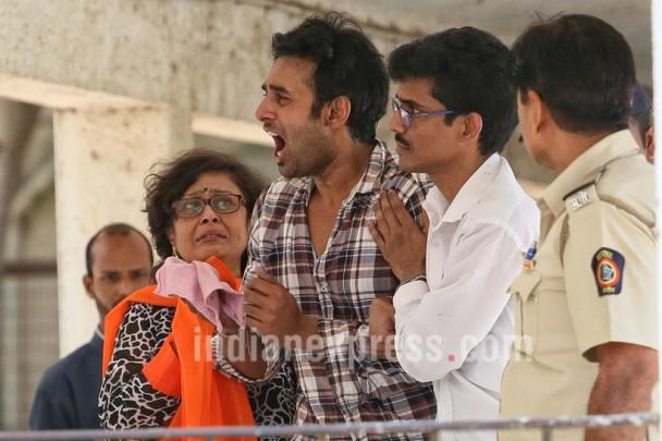 Rahul bật khóc trước cái chết của bạn gái