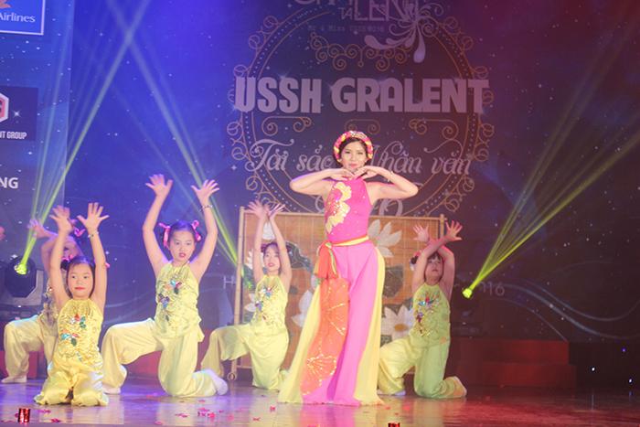 3 tiết mục hay nhất trong đêm thi tài năng biểu diễn trong đêm chung kết.