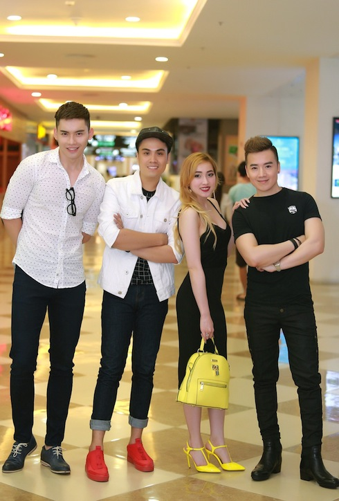 Giải Bạc Siêu mẫu Mạnh Khang, MC Thái Dũng, ca sỹ hải ngoại Nguyễn Hoàng Nam cùng nhau đến dự buổi ra mắt
