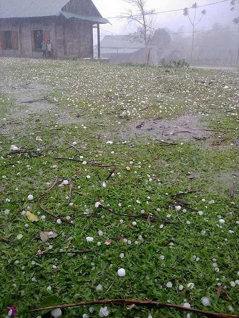 Hình ảnh mưa đá xảy ra trên địa bàn xã Mai Sơn- Ảnh: Bùi Lan